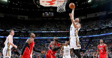 anthony-davis-pelicans-vs.-hawks